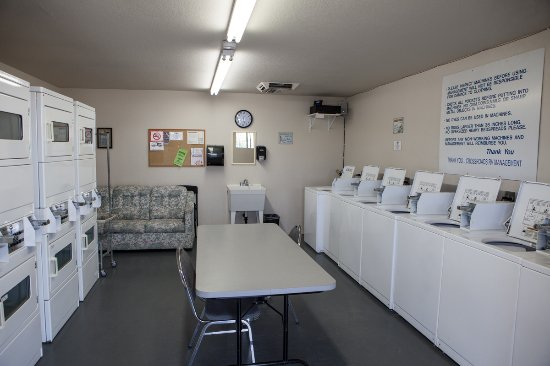 Mohave Valley, AZ: laundry room