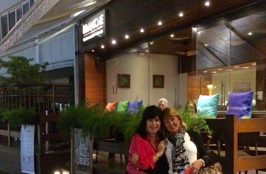 Tulip Inn Rio Copacabana: Entrada pela varanda do restaurante. Uma delícia!