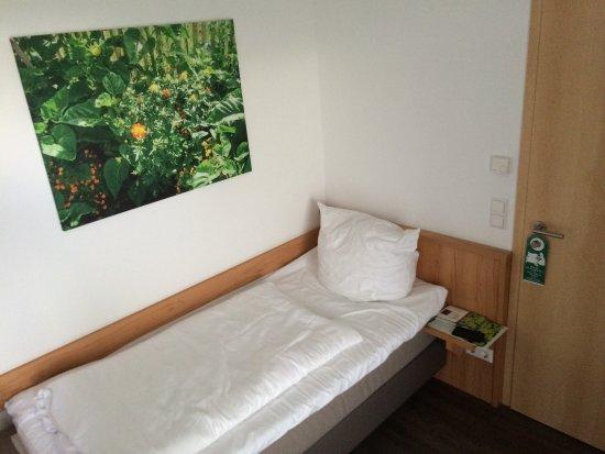 Forst: Zimmer im ersten Stock mit Balkon