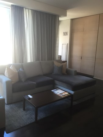 The St. Regis San Francisco: Spacious living room area