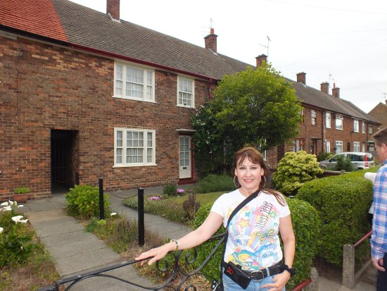 standing in front of paul mccartney 39 s childhood home. Black Bedroom Furniture Sets. Home Design Ideas