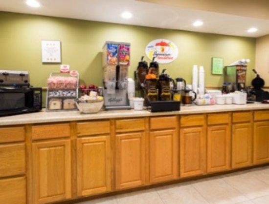 Mendota, IL: Breakfast display