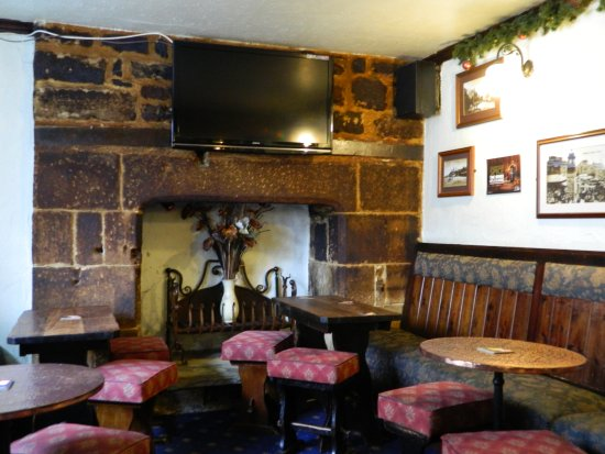 Cosy dining room picture of the black bull inn otley for Best restaurants with rooms yorkshire