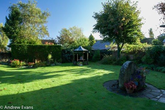 Lea House Bed & Breakfast: Lea House Garden