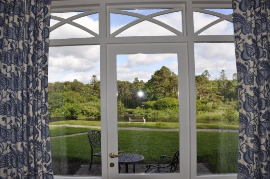 Ballynahinch Castle Hotel: The view from our room