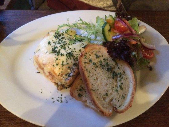 Cotley Inn: Sweet Potato & Mushroom Lasagna ... mmmm
