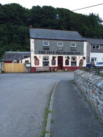 The Five Pilchards Inn: photo1.jpg