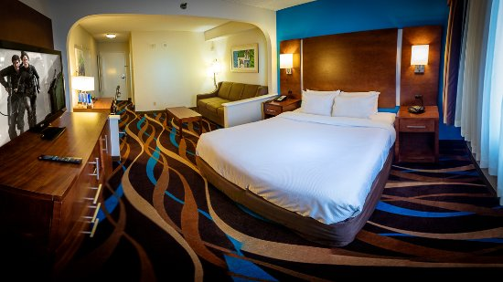 Fort Lauderdale Airport / Cruise Port Inn: King Bed