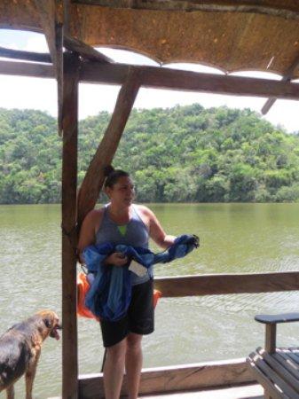 Martz Farm Treehouses and Cabanas Ltd.: Boat ride