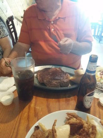 Springfield, LA: Charlie's steak