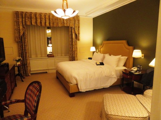 The Sherry-Netherland Hotel: The room