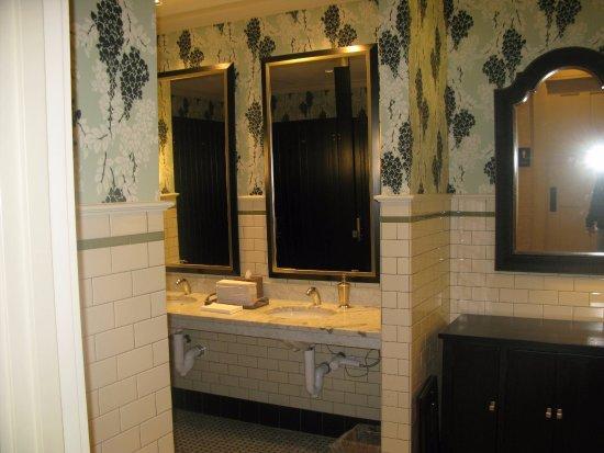 Manchester, VT: lobby bathroom