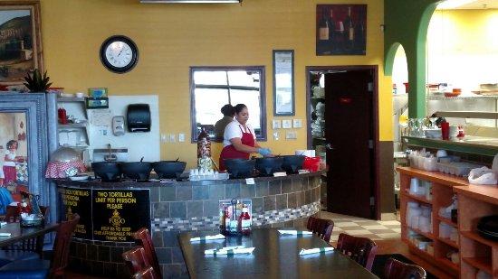 Fuego Mexican Grill: Great salsa bar...