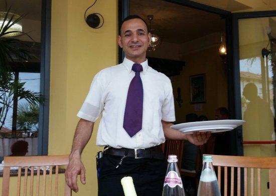 Ristorante Pizzeria Caminetto : il nostro cameriere preferito!