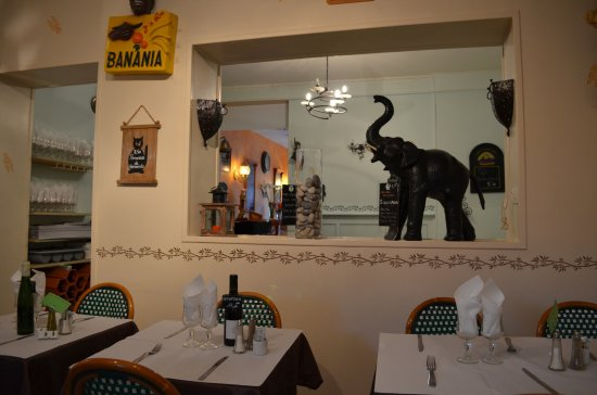 Neufchatel en Bray, França: Intérieur du restaurant.