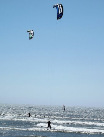 Florence, OR: South Jetty Kite and Windsurfing