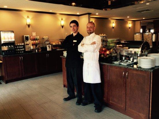 Embassy Inn: Free Hot Breakfast
