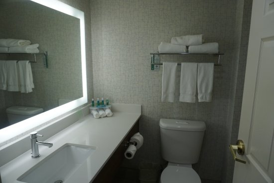 Holiday Inn Express Portland West/Hillsboro: shiny and clean