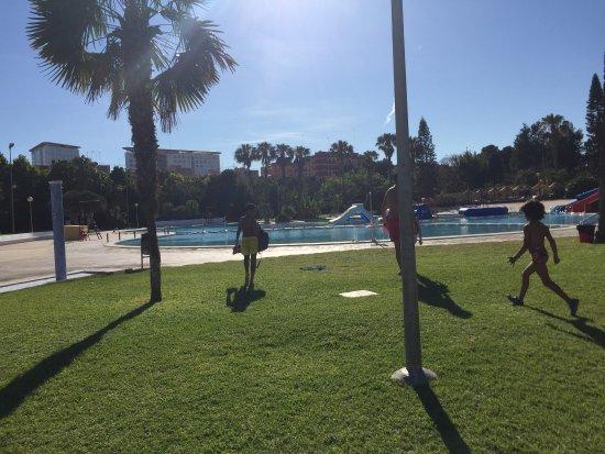 Piscina parque de agua picture of piscina parque for Benicalap piscina