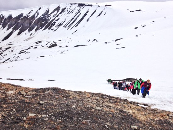 Longyearbyen, Norveç: 另一團的登山旅客