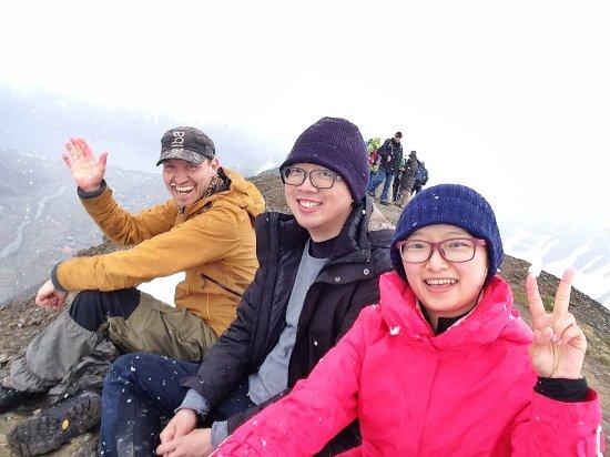 Longyearbyen, Norveç: 我們與嚮導的合照