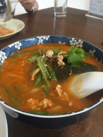 Pemberton, Canadá: Tomyum soup was tasty and not overly spicy. Noodles were soft and complemented the tomyum broth