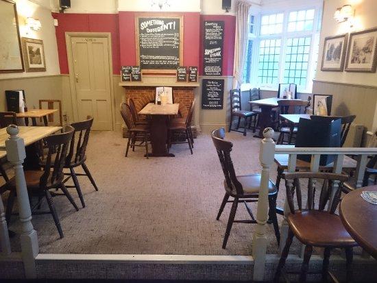 Willingdon, UK: Carpeted dining area