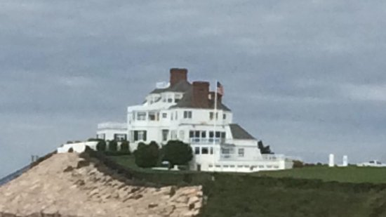 Taylor Swift S House Was Once Called Holiday House Picture Of