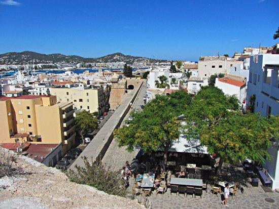 Picture of plaza del sol ibiza town for Plaza del sol
