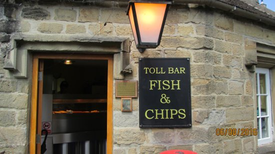 Middleton Stoney, UK: Small Take-away Fish & Chips - Best Ever!