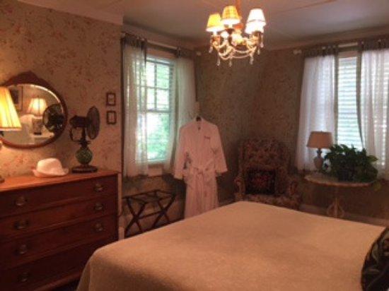 Hilltop House  Bed & Breakfast: Bedroom