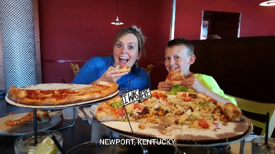 Dewey's Pizza: Enjoying some great pizza!