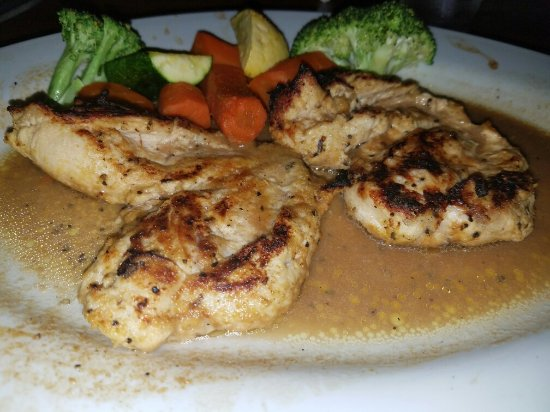 La Grange, IL: Chicken breast in lemon sauce with veggies. OH YES!!