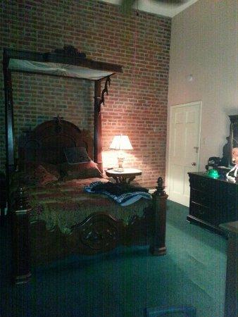 Olivier House Hotel: 20160614_003834_large.jpg