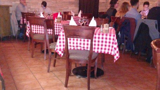 Casa Da Carlo-Trattoria la Terrazza: Simple but nice seating and decor