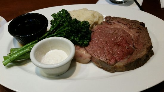 Clackamas, OR: Prime rib and lobster chowder