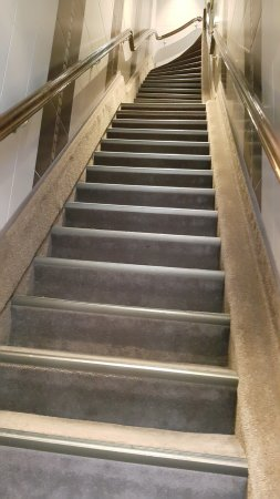 Clemens Hotel: Steep stairs