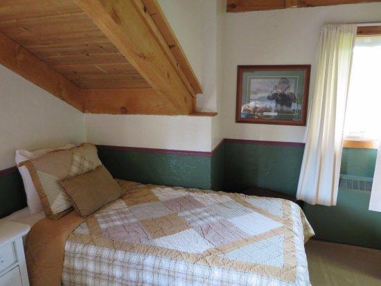 Gustavus, AK: room in main building