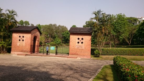 ‪Chittagong Commonwealth War Cemetery‬