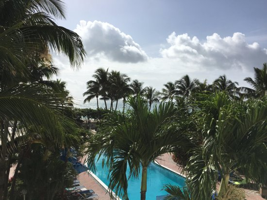 Four Points by Sheraton Miami Beach: view from room 522