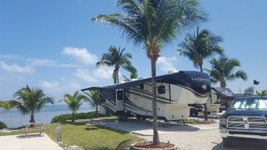 Full hookup camping near key largo florida