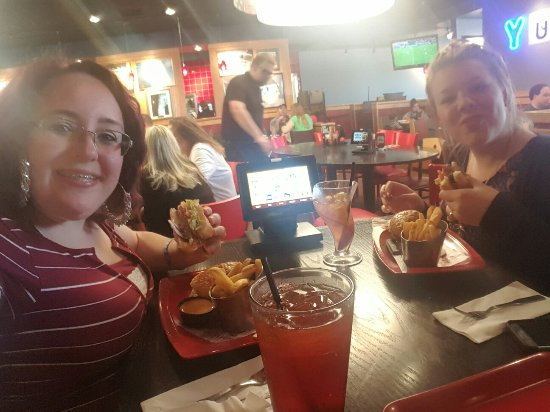 Red Robin Burger & Spirits Inc: 20160620_130649_large.jpg