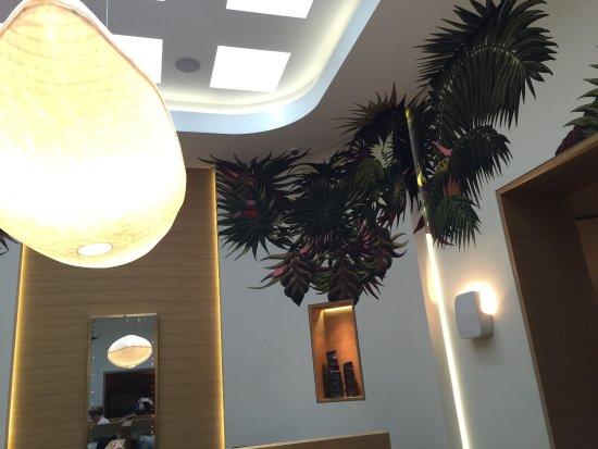 Hotel Marignan Champs-Elysées: photo1.jpg