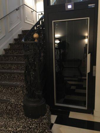 Hotel Marignan Champs-Elysées: photo2.jpg