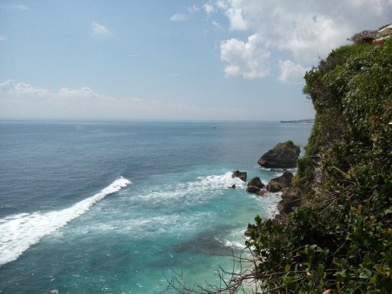 Blue Point Bay Villas & Spa: kondisi pantai dari atas