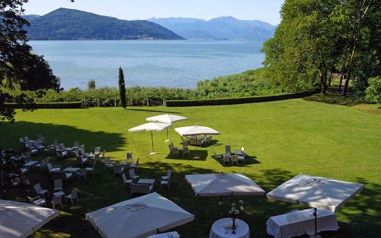 Ispra, Ιταλία: giardino affacciato sul lago