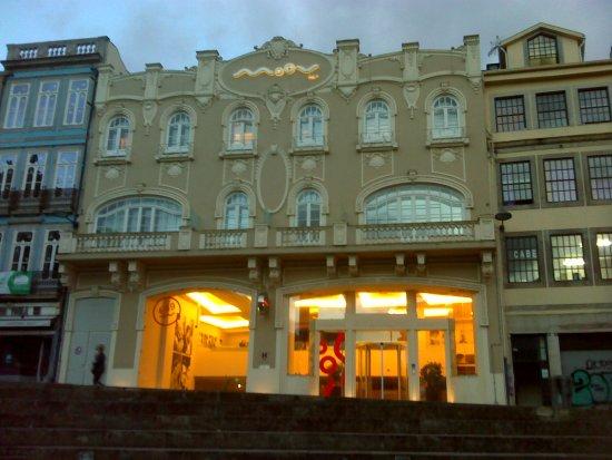 Moov Hotel Porto Centro: Fachada del Hotel Moov Porto Centro.