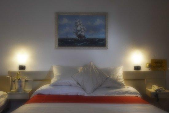 Hotel Dea Della Salute Igea Marina Prezzi