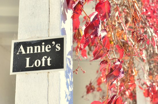 Annie's Loft And Studio: Annie's Loft Entrance