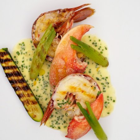 Maison Bleue Restaurant: Native lobster